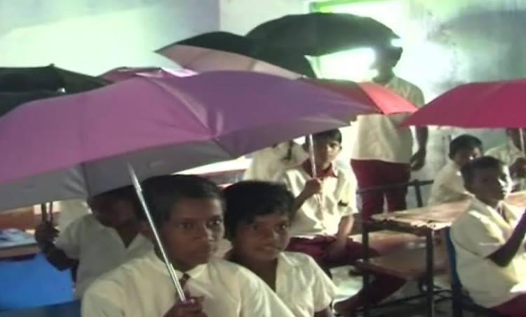 Jharkhand: School Students Forced To Study Under L