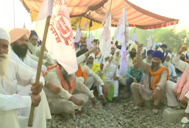 Farmers march on the ninth day in Punjab, now farm