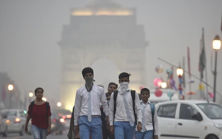 Wind again becomes poisonous in Delhi, suffocating