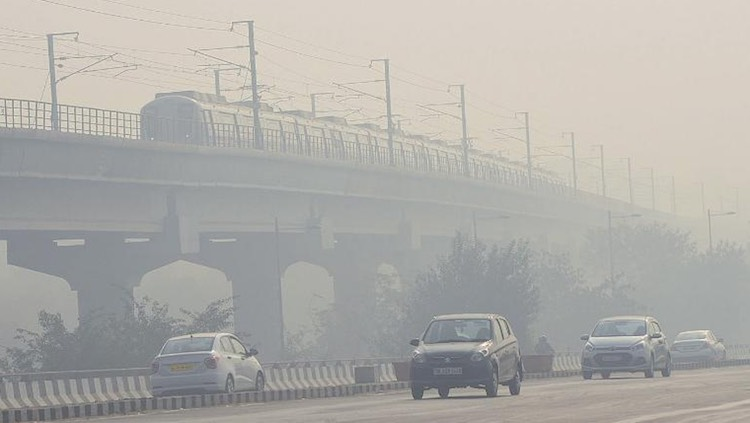 Delhi's air pollution slips back to 'very poor' ca