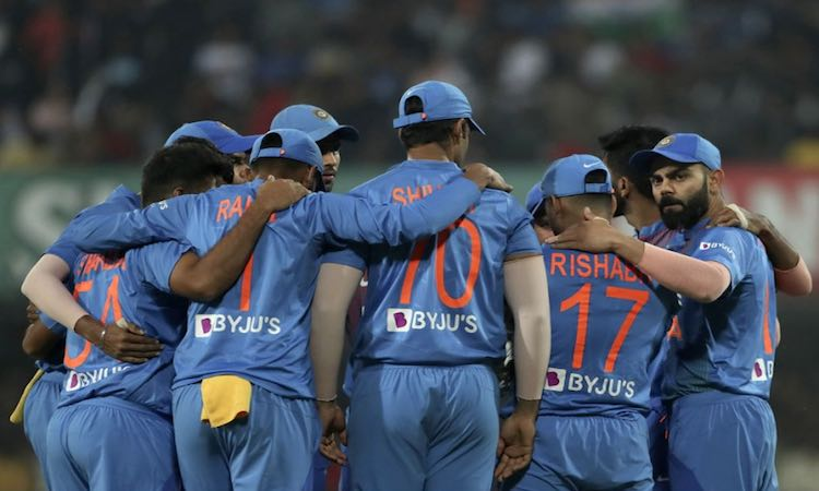 WANKHEDE WAITS FOR IND VS AUS ODI ON TUESDAY