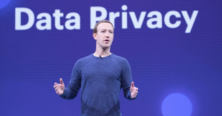 facebook accused for stealing user's personal info