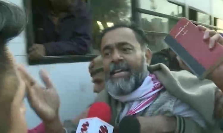 Yogendra Yadav taken into custody in Delhi