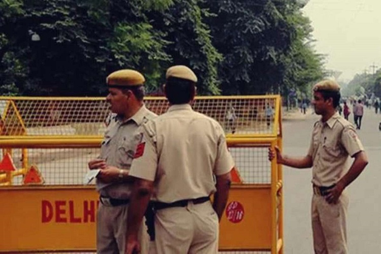 DELHI HC TO HEAR ON COP-LAWYER CLASH TODAY