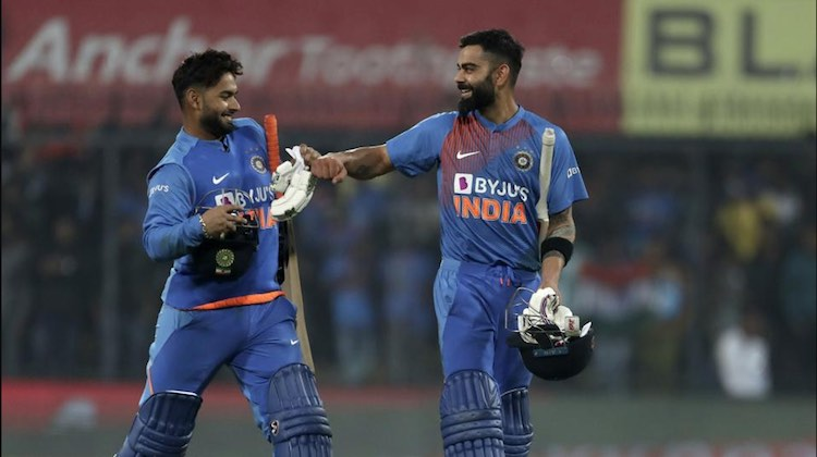 India beat Sri Lanka by seven wickets in the secon