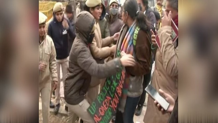 Jamia-JNU students detained before demonstrating i