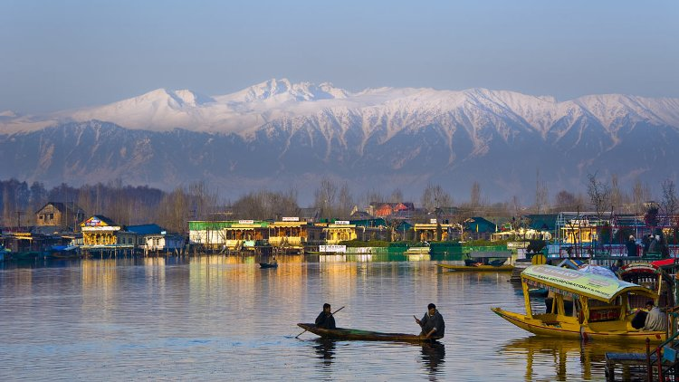 Will the entry of tourists in Jammu and Kashmir ch