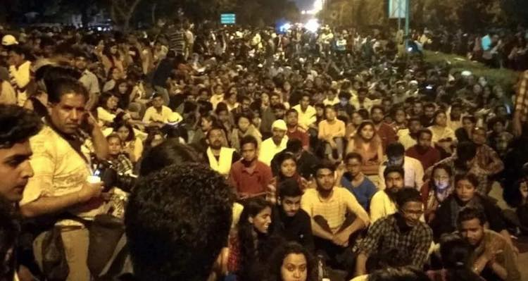 Protests continue in JNU students' fees hike issue
