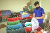 Mumbai: Football coach forced to sell vegetables i