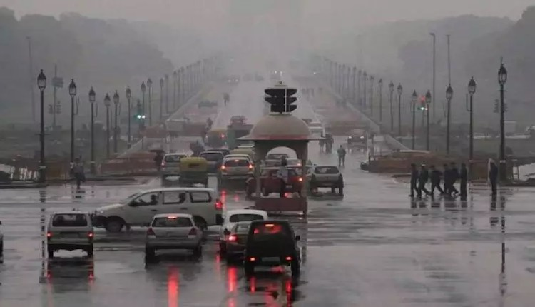 Heavy rains in Delhi-NCR brought hailstorm to fall