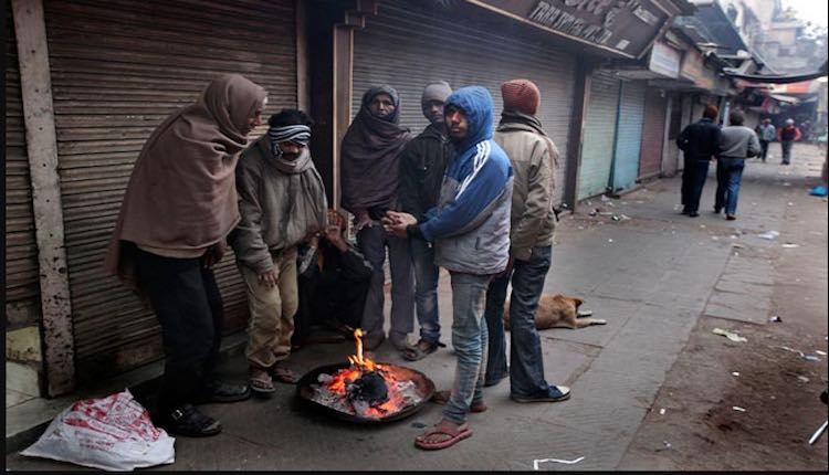 Cold wave continues in North India, cold in Delhi