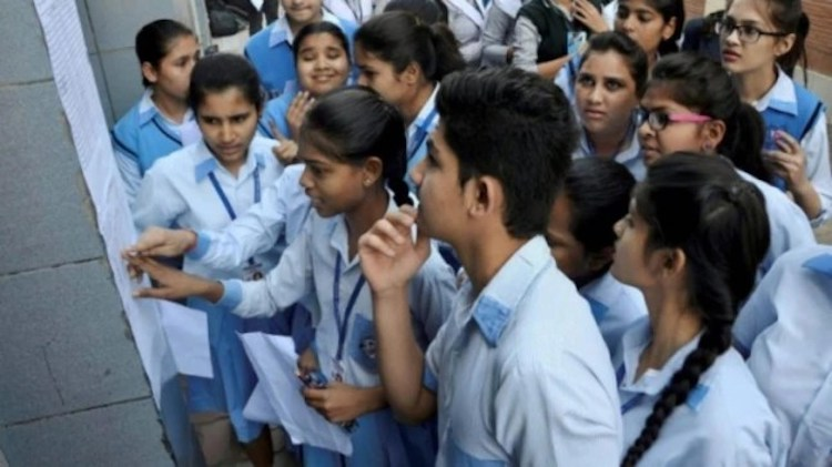 CBSE releases 10th results, 91.46% students got su